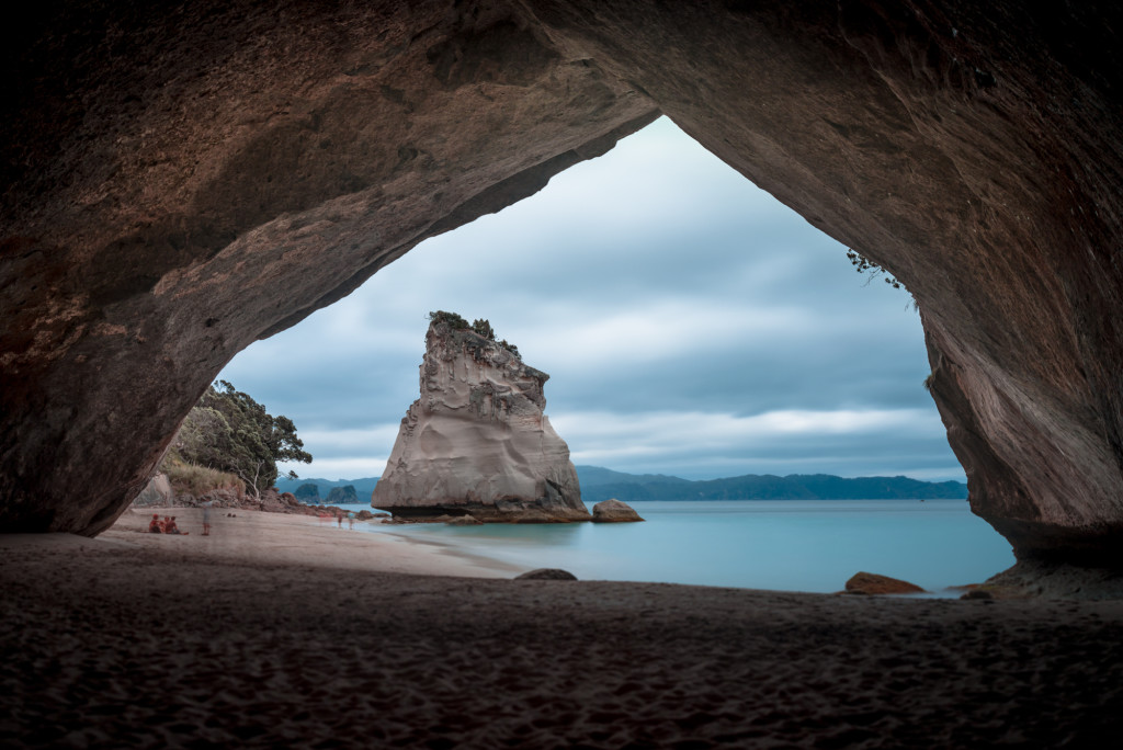 NZ-CathedralCove-2